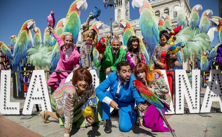 Presentación del espectáculo 'Adiós Arturo' de la compañía La Cubana en la Plaza Mayor de Valladolid