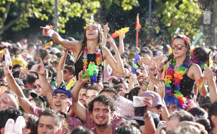 Desfile de Peñas de las fiestas de Valladolid (3/3)