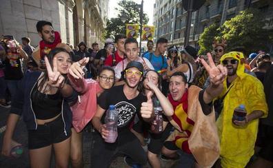 El desfile de peñas enciende la mecha de las fiestas de Valladolid