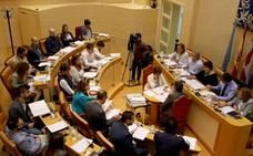 La oposición ataca al equipo de gobierno por sus discrepancias sobre el PEAHIS