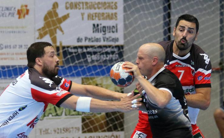 Victoria del Balonmano Nava ante el Atlético Valladolid en el comienzo de la Liga Asobal