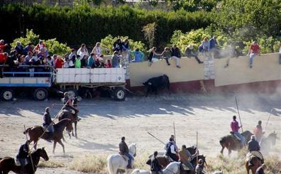 El primer y multitudinario encierro por el campo se resuelve en Portillo de forma rápida y vistosa