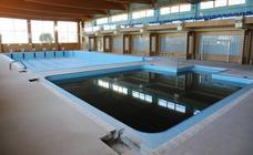 El lamentable estado de las piscinas de Villares