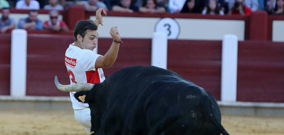 'Zorrillo' gana la XIV Liga de Corte Puro en el coso de Zorrilla