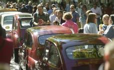 Concentración de coches antiguos en Recoletos