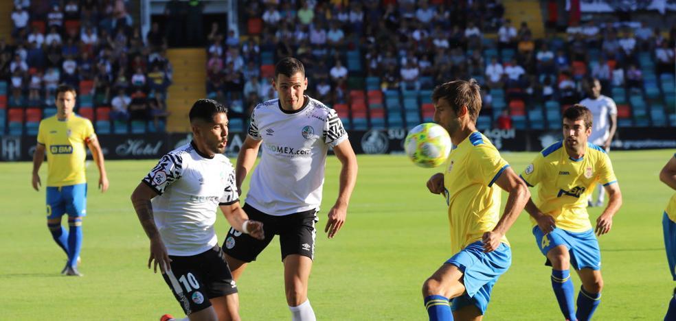 El Salamanca CF UDS pierde dos puntos en el útimo suspiro en un partido aburrido
