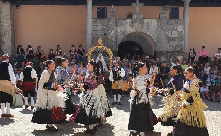 Ofrendas a la Virgen de la Cuesta en Miranda