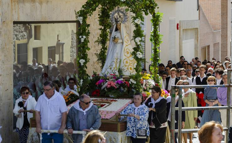 Procesión dedicada a la Virgen de Gracia en Villanubla