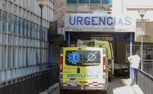 Herida una persona al volcar su coche en Narros de Matalayegua