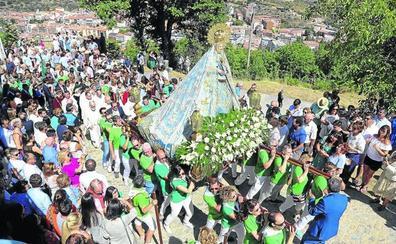 La Virgen bendice la ciudad de Béjar