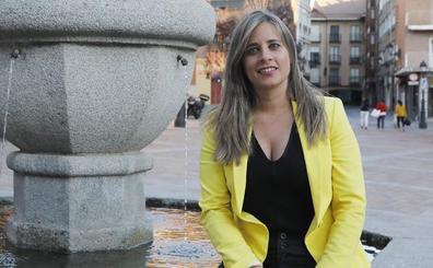 Laura Lombraña, concejala de Festejos: «Respeto mucho a las peñas, pero la imagen del pregón no fue la adecuada»