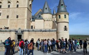 El Alcázar de Segovia bate su récord de visitantes en un mes de agosto con 84.251 personas