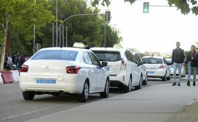 Los taxistas de Valladolid piden facilidades de acceso a la parada del recinto ferial