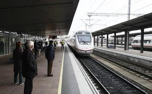 Adif adjudica las obras para cambiar parte de la vía entre Ávila y Salamanca