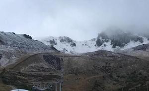 La nieve y el intenso frío regresan a la estación de San Isidro de León