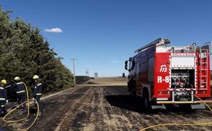 Arden 62 hectáreas de rastrojo en Bustillo del Páramo por una quema agrícola