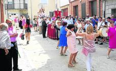 Música y toros por la Santa Cruz