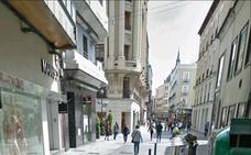 Detenido un joven en Valladolid que arremetió contra un policía tras ser sorprendido orinando en la calle