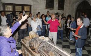 La reclamación del uso público de una iglesia de Palencia lleva la confrontación al propio templo