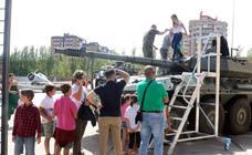 Pequeños y mayores disfrutan de la Feria de Muestras de Valladolid