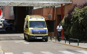 Trasladada al hospital con un puñetazo en el ojo en una pelea con otra mujer en Palencia