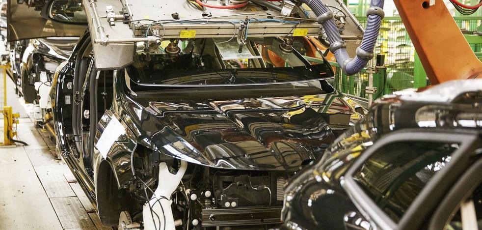 Renault cerrará en diciembre el turno de noche en Villamuriel y afectará a 500 trabajadores