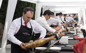 El salmantino Alejandro Martín se convierte en el mejor cortador de jamón de Castilla y León