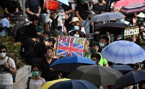 Violencia en Hong Kong, con gases lacrimógenos y cócteles molotov