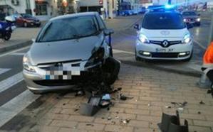 Derriba un semáforo con su coche en la avenida de Burgos, en Valladolid