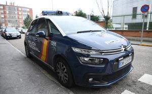 La Policía Nacional de Valladolid investiga la aparición de una caja fuerte 'reventada' en un pinar