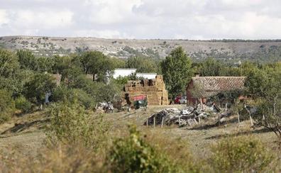 Fallece un agricultor aplastado por unas pacas de alfalfa en Dueñas