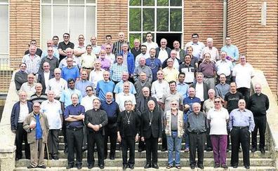 Blázquez preside el encuentro de un centenar de sacerdotes en Villagarcía de Campos
