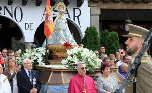 El obispo quiere estar en la bajada de la Virgen, 26 días después de su operación