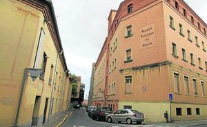 El PSOE reclama a la Junta que convierta el Policlínico en hospital de estancias medias