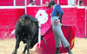 Ismael Martín sale como triunfador en la becerrada de escuelas de la feria de Riaza