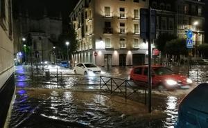 La tormenta en las redes: la Valladolid veneciana, rayos y los repartidores de comida a domicilio