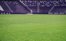 El césped del estadio Zorrilla aguanta la tromba de agua y estará perfecto para recibir al Granada