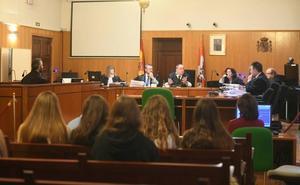 Una testigo descoloca el relato de los hechos en el juicio por el botellazo en la calle Vinos de Rueda de Valladolid