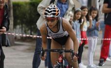 Un centenar de atletas desafían a la lluvia en Valbuena de Duero (1/2)
