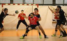 Todas la imágenes del partido entre el BM Salamanca y el DKV Gijón