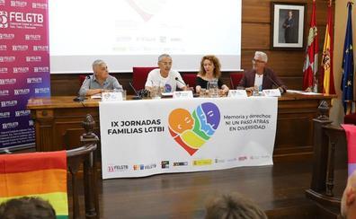 El colectivo LGTBI reclama «respeto a la diversidad» y a los «nuevos modelos de familia»
