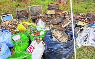 Los voluntarios que limpian Palencia reclaman ayuda para deshacerse de la basura recogida