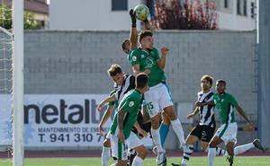Un golpe de suerte dinamita la solvencia del Guijuelo ante el Haro Deportivo (1-0)
