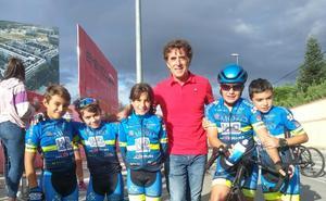 La Escuela de Ciclismo Salmantina brilla y se divierte en el Trofeo Pedro Delgado en Segovia