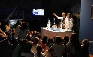 El Museo de la Ciencia ofrece doce talleres gratuitos a niños y familias en 'La noche de los investigadores'