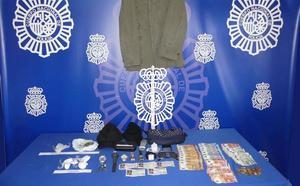 Se lía a cabezados y mordiscos cuando los polícias querían detenerle en Salamanca