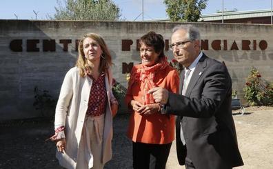 La prisión de Dueñas celebra un Día de La Merced marcado por un nuevo plantón de los sindicatos
