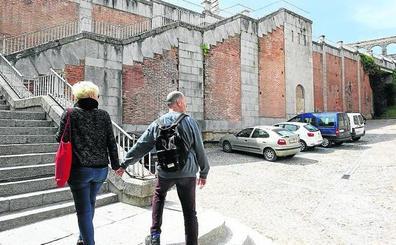 Dos empresas optan a construir el ascensor de la calle Gascos a Vía Roma