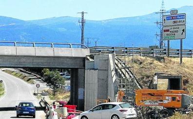 La obra de la SG-20 desvía el tráfico en las carreteras de Palazuelos y Espirdo