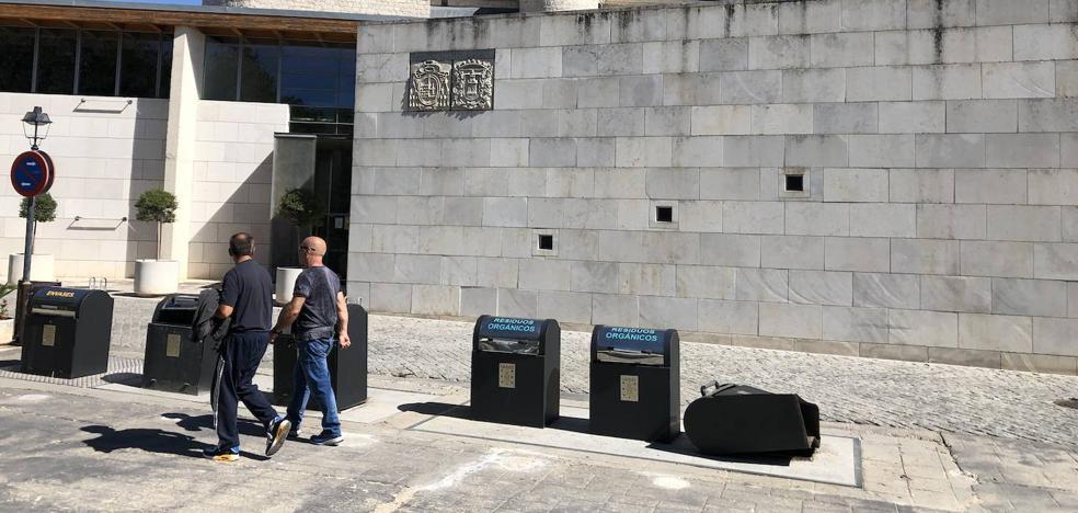 Simancas realizará un estudio para mejorar y abaratar el servicio de recogida de residuos